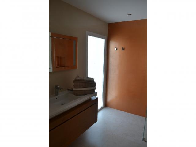 Master ensuite bathroom - Large Villa (Sleeps 10), Puerto del Carmen, Lanzarote